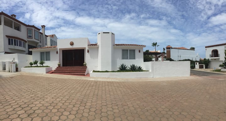 Nice house to enjoy couple of days off.