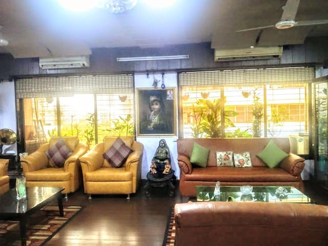 Charming spacious 2BHK - Top location A/C, Wifi 4G