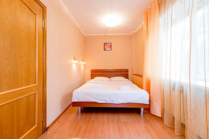 Спальная комната:кровать двуспальная