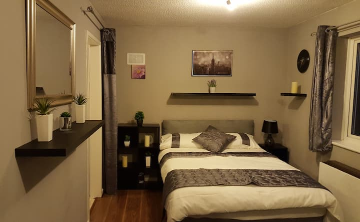 Full Place Studio apartment near Birchwood Park 2