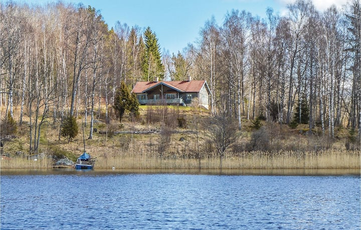 Beautiful home in Rö with 4 Bedrooms