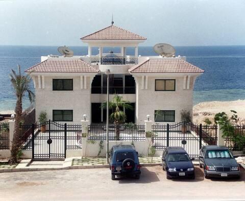 Sea View Apartment in Gorgeous Ras Nasrani