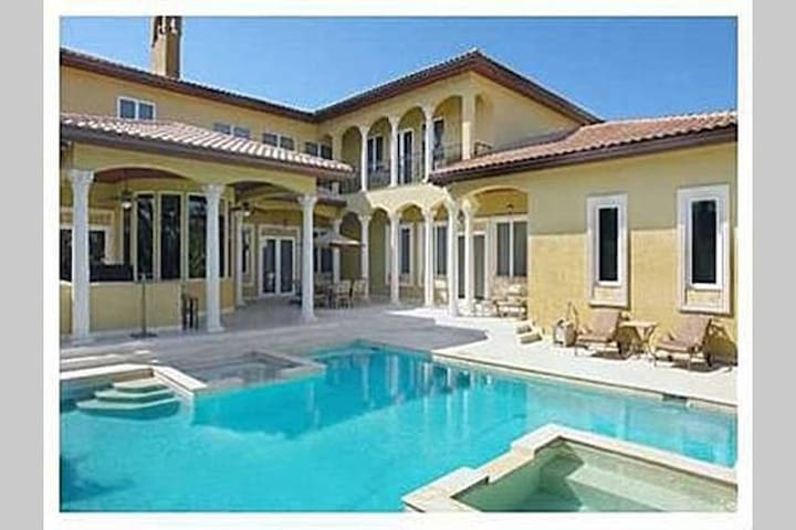 Italian Villa 9000sf on Gorgeous Palm Beaches - Ocean Ridge - Villa