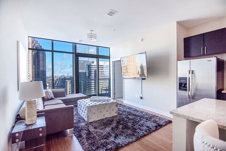 Midtown Penthouse near Select Specialty Hospital