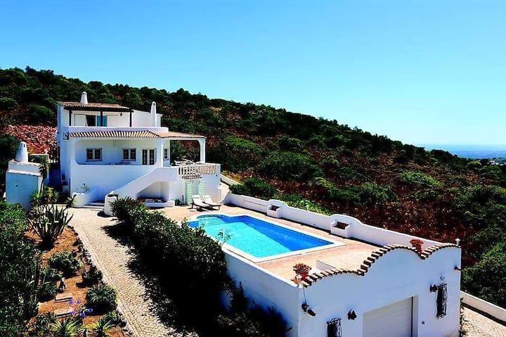 Casa Por do Sol - Villa in central Algarve