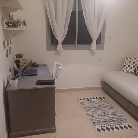 Amazing room in a new apartment - Rehovot - Apartamento