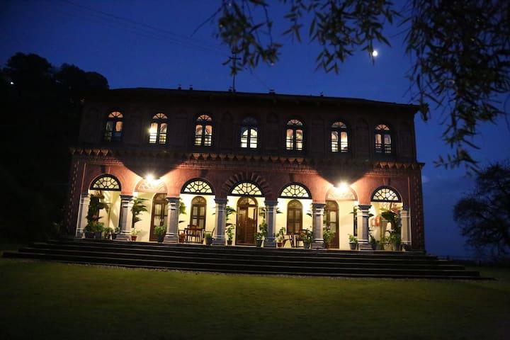 Raghu Niwas, a 19th century heritage home, Apt 1