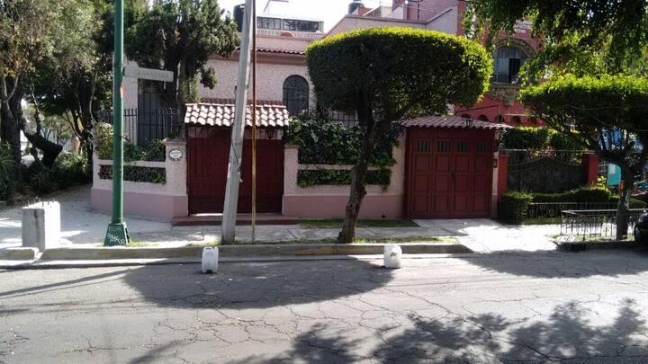 Habitación y Baño Privado / Guanabana 77