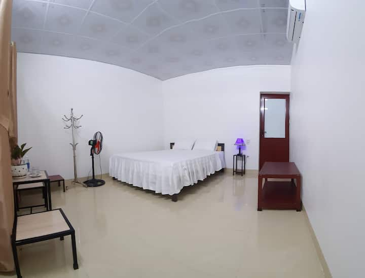 Tre Xanh homestay - Kingbed room with private bath