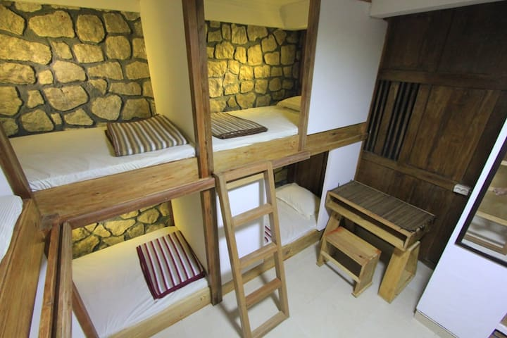 Bunk Bed for 2 Person in Grass Root Homestay - Banguntapan - Bed & Breakfast