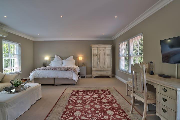Luxurious Studio situated in tranquil, lush garden - Kapstaden - Lägenhet