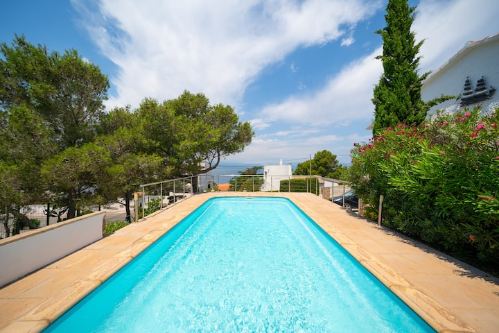 Taisia: villa for 10 people with pool and sea view, 650 m from the beach