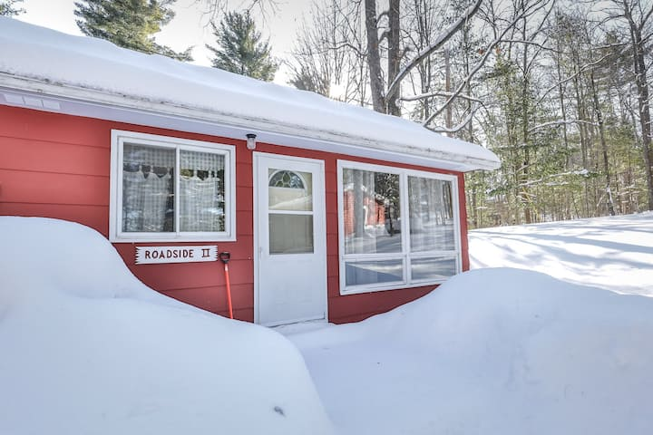 New listing! Family-friendly lake view house with dock - snowbirds welcome!