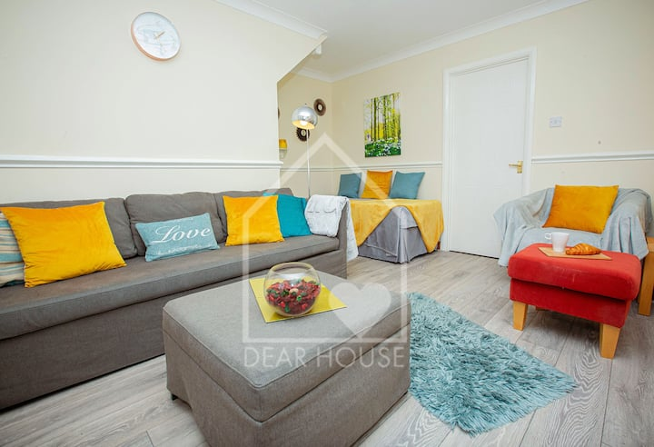 House Corby, Kettering. Comfy Beds, Easy Parking