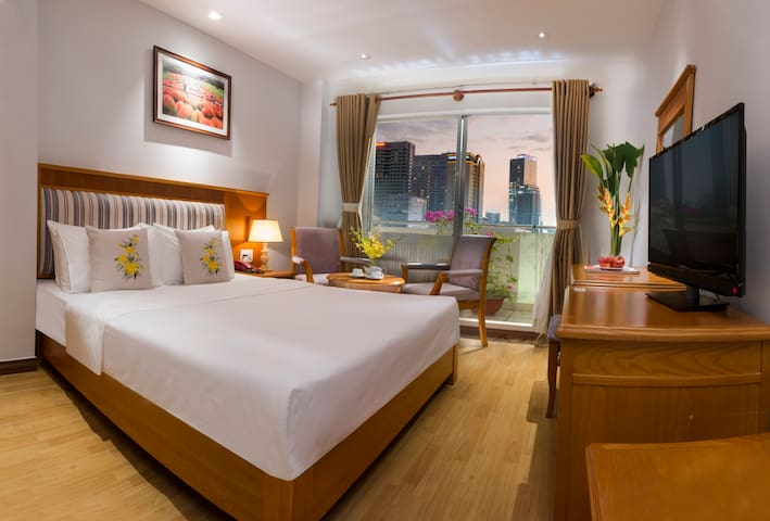 CHERRY HOTEL- PREMIUM DELUXE ROOM IN HCM CITY