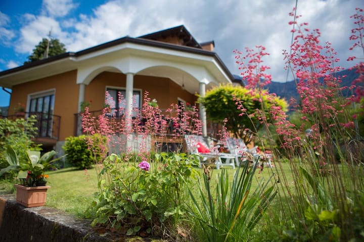 Pretty villa centrally located - Colico Piano - House