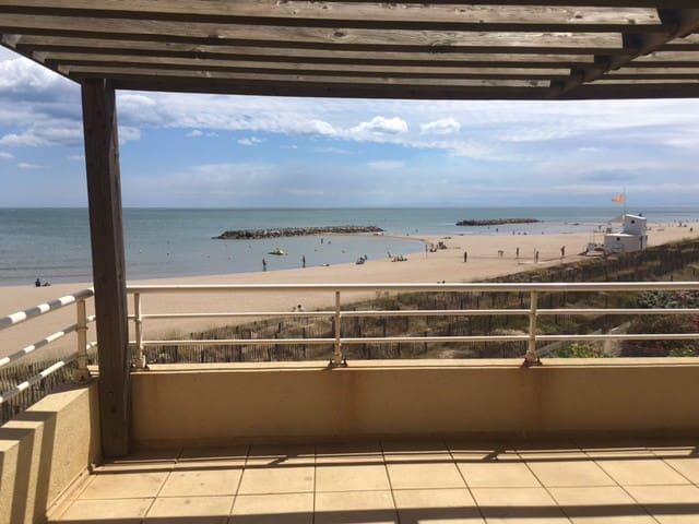 Appartement sur la plage, les pieds dans l'eau ! - Valras-Plage - Huoneisto