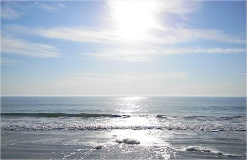 Cozy Beachside Retreat