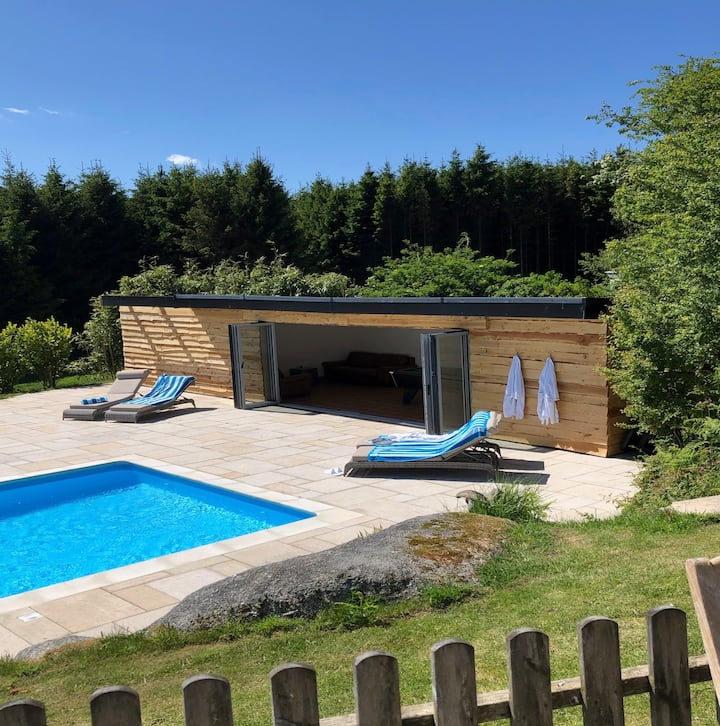 2 bed Cottage, Adults only or age 13+, heated pool