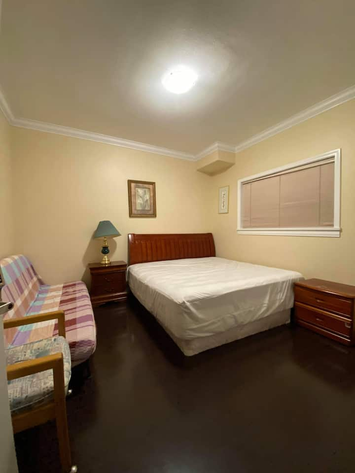 T1 NEW&CLEAN GUEST ROOM for Travelers and Students
