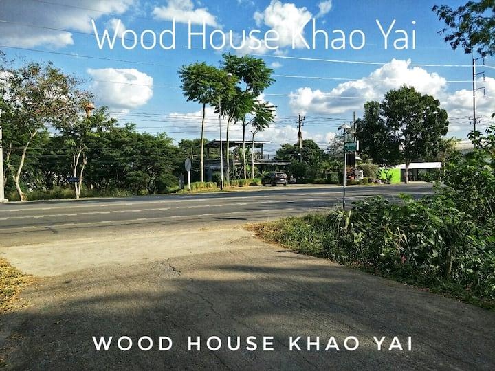 Woodhouse Khaoyaiโฮมสเตย์ไม้สำหรับ 4 ท่าน Single12
