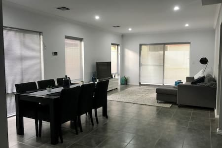 Modern and spacious room near to CBD & Airport. - Kewdale - Hus