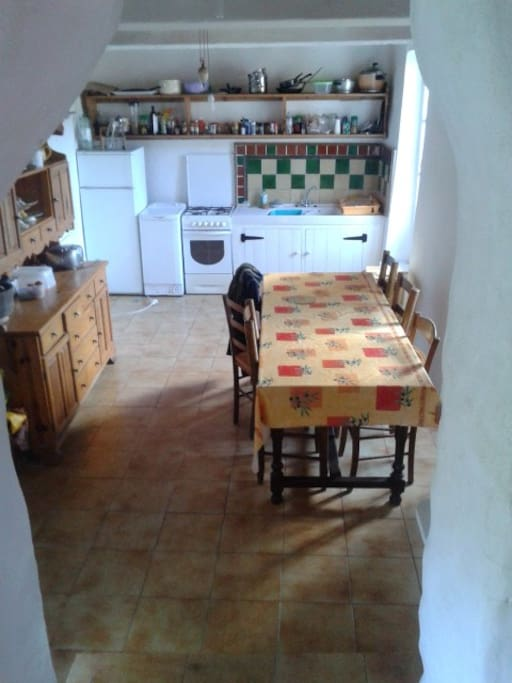 Spacious kitchen / dining room - with oven, fridge and washing machine