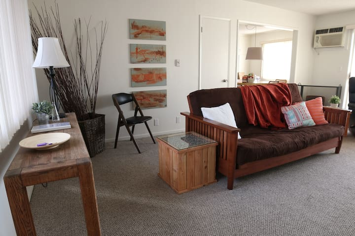 Apartment in North Hollywood (Valley Village) - Los Angeles - Appartement