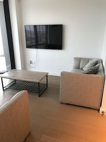 Luxurious entire 1 bedroom with great view