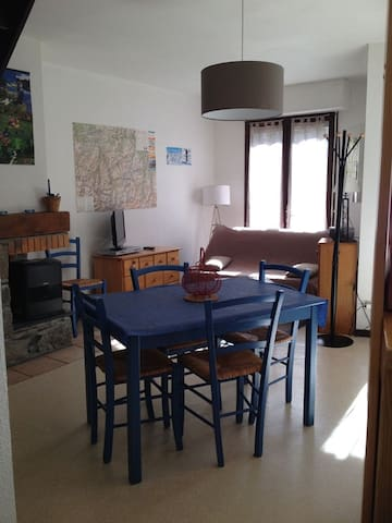 APPARTEMENT DUPLEX AVEC TERRASSE ref 100RS - Esquièze-Sère - Apartamento