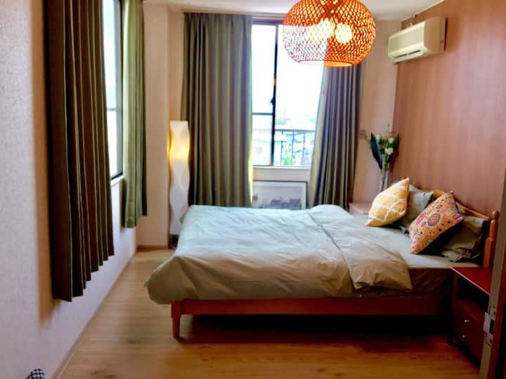 Clean,Confortable & Convenience 303