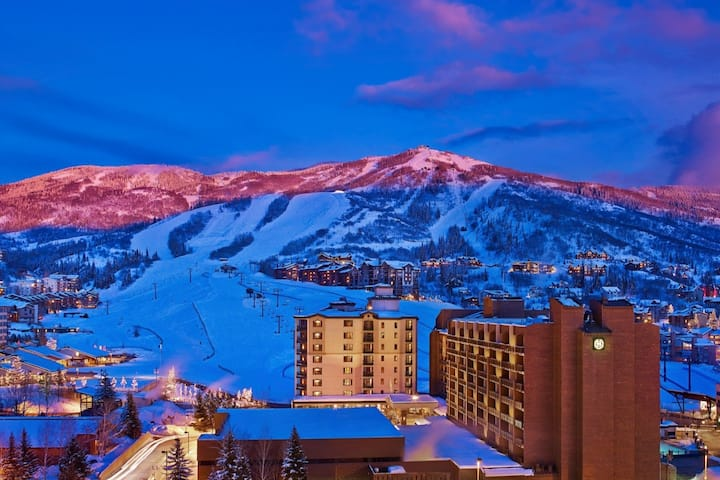 2 BR, 2 Bath, Ski/In-Ski/Out, Resort Villa