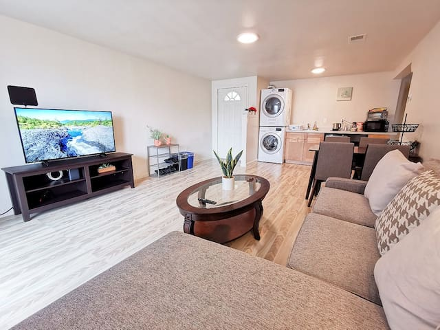 1226 - Private Basement Unit, near Ocean & GG Park