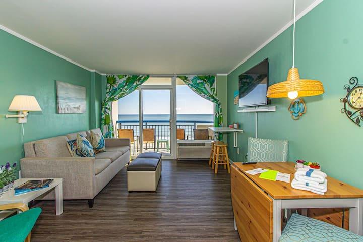 Clean and Updated! - Boardwalk Resort Unit 538 - Direct Oceanfront!  Sleeps 7!
