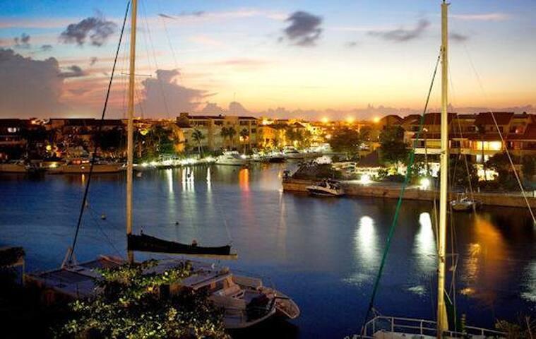LOS DIAS Condo - Marina Front - Puerto Aventuras