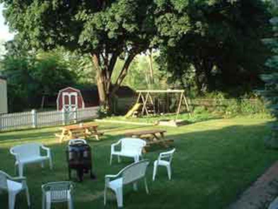 Large yard for picnic and playing.