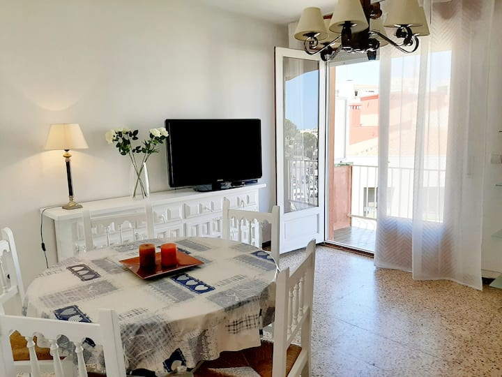 Close to the beach and centric. 3 bedrooms. Wifi