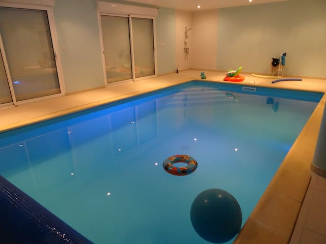 Longère Fosse Mouillée with pool