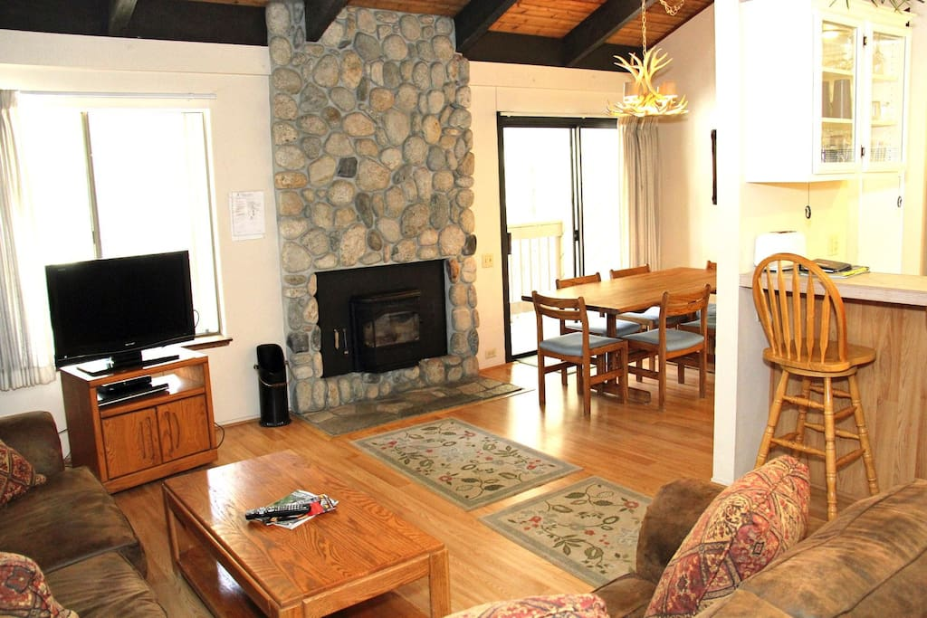 Mammoth Lakes Rental Sunshine Village 132 - Open Area Living Room Towards Dining Room and Kitchen