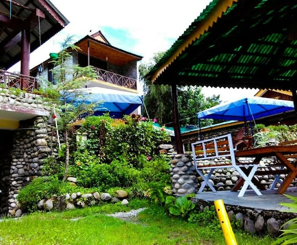 Anglers's Cottage-A B&B on the banks of river Beas