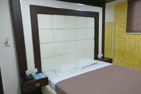 Private Room in the City Centre with all amenities
