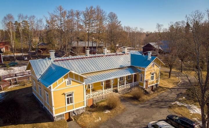Modernisoitu maalaistalo (modern farmhouse)