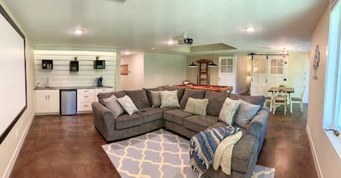 *Modern Suite* Wineries, beaches & downtown nearby