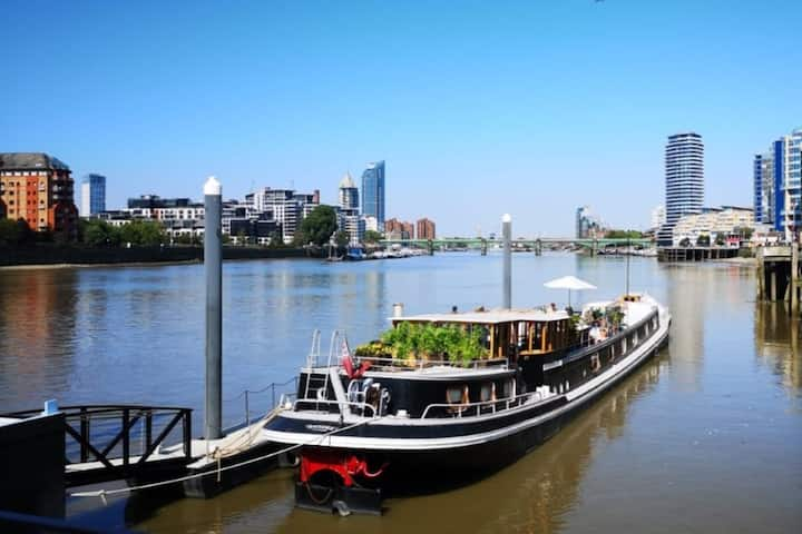 Stay in a Historic Captains Cabin on the Thames