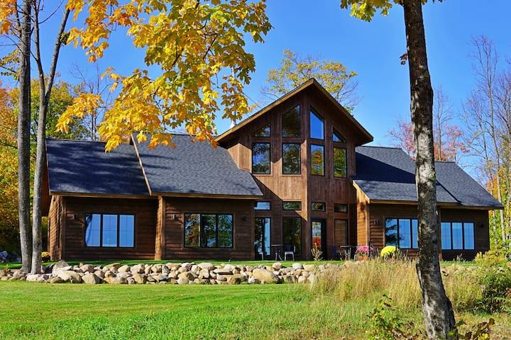 Timber Baron Inn Lullabye's Landing Room