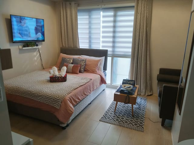 Chic and Perfect Nook In front of Naia Terminal 3!