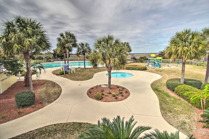 St Helena Island Resort Condo: Steps to Beach