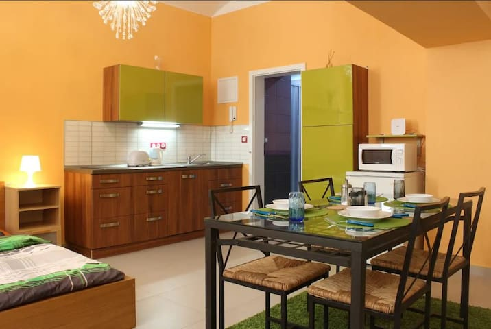 .B2 Cozy apartment 5 min. to centre by tram