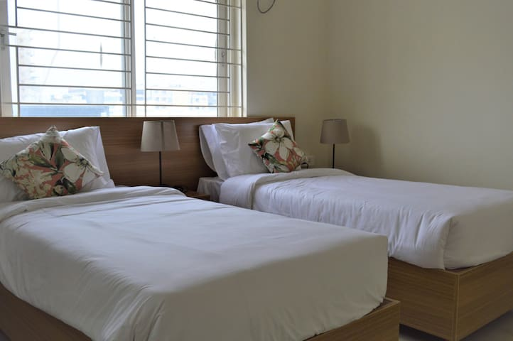 Plush Apartment in ❤️ of IT zone Kondapur HiTech