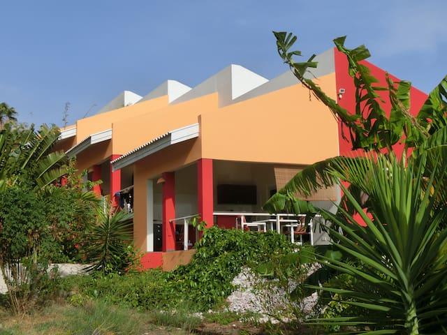 Komfortable Unterkunft im tropischen Garten - Willemstad - Townhouse
